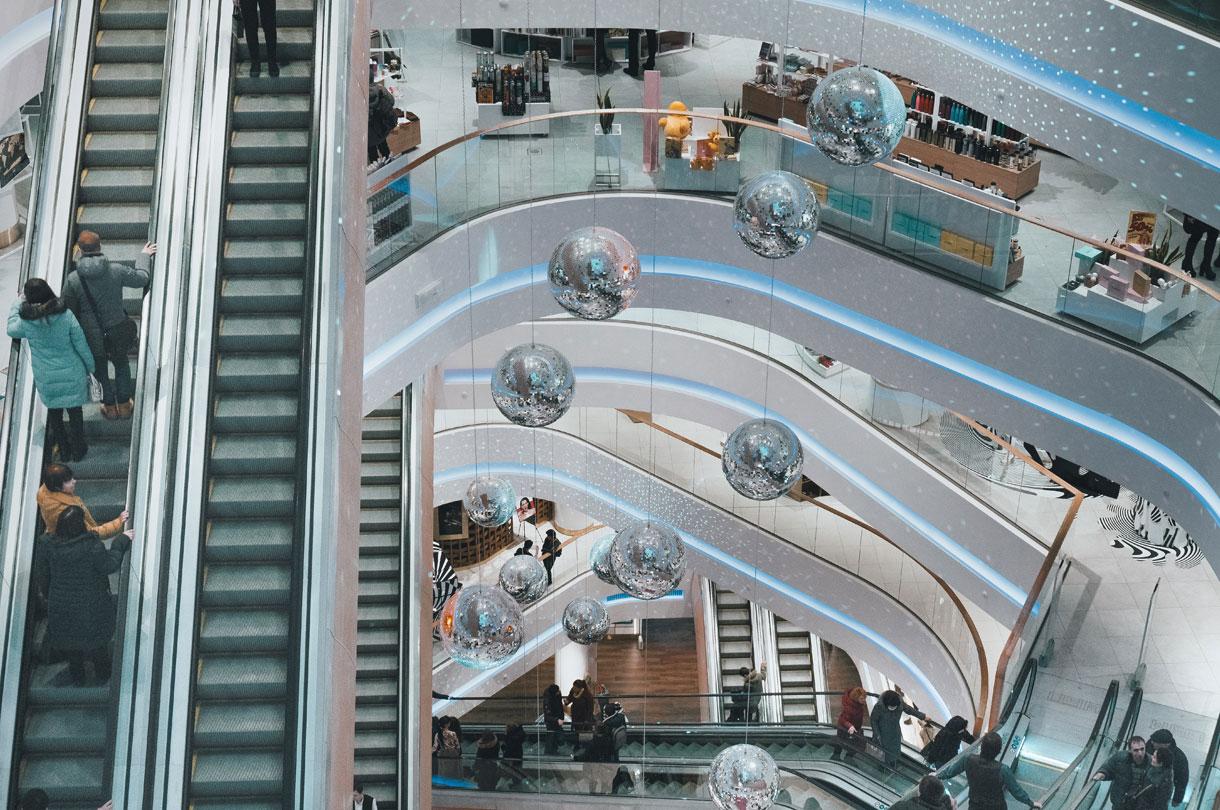 Diensten-Casco-demontage-van-kantoorpanden-en-winkelcentra-Dijkman-Grond-en-Sloopwerken-Beverwijk-Afbeelding